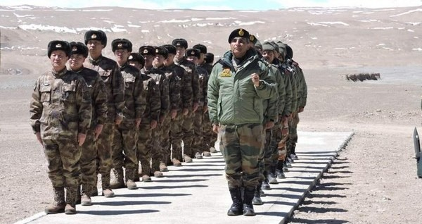 भारतीय सेनास्य दुस्साहसपूर्ण व्यावहारम् भविष्यति विपरीतम् – चिनी ग्लोबल टाइम्स समाचार पत्रस्य भर्तस्कः ! भारतीय सेना का दुस्साहस भरा दांव पड़ेगा उल्टा – चीनी ग्लोबल टाइम्स समाचार पत्र की धमकी !