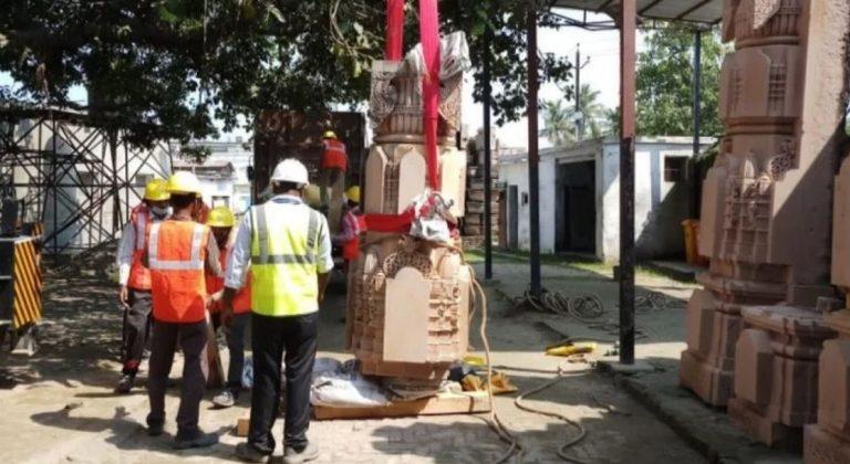अयोध्या: राममंदिर निर्माण के कार्य में आई तेजी, मंदिर प्रांगण में पत्थर का काम शुरू
